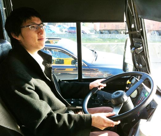 bus お金をかけずに英語を勉強しようぜ!バンクーバーでできる4つの無料英語学習