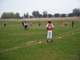 play with kids1 子供にサッカーを教えることで得られた3つのこと。のび太が子供たちから教わったこと