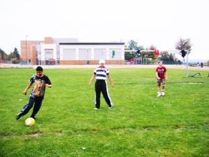 soccerL 300x225 子供にサッカーを教えることで得られた3つのこと。のび太が子供たちから教わったこと