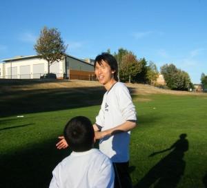 teaching soccer 300x272 子供にサッカーを教えることで得られた3つのこと。のび太が子供たちから教わったこと