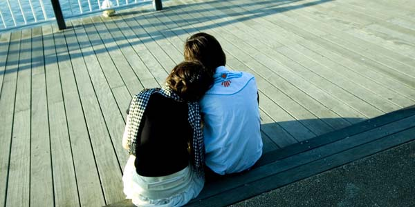 couple なぜ彼らは日本に帰らない?海外に住んでいる日本人が永住を選ぶ5つの理由