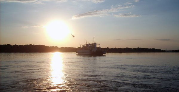 Sunset Over The River 時間帯によって働き方を変えるべし!時間帯に適した仕事・行動・メンタルなどについて